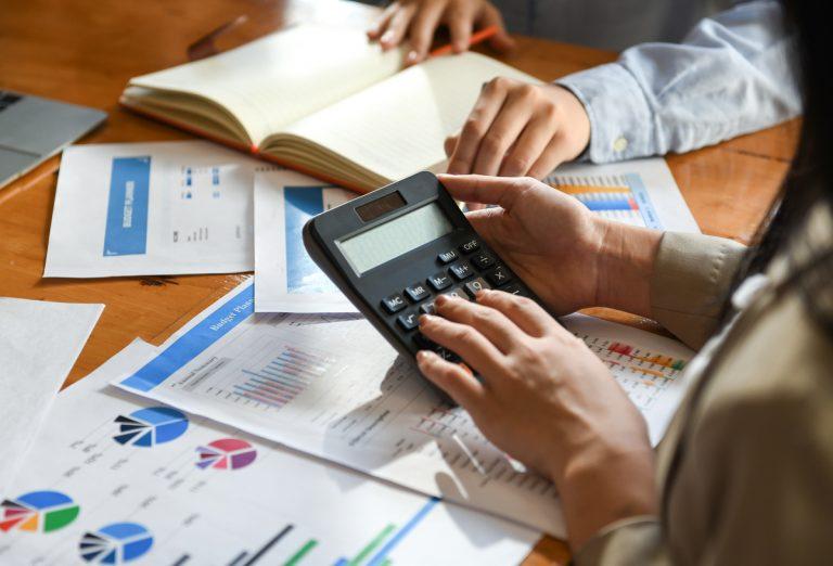 Identifique las franquicias más rentables